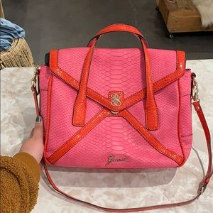 vibrant Guess carry all